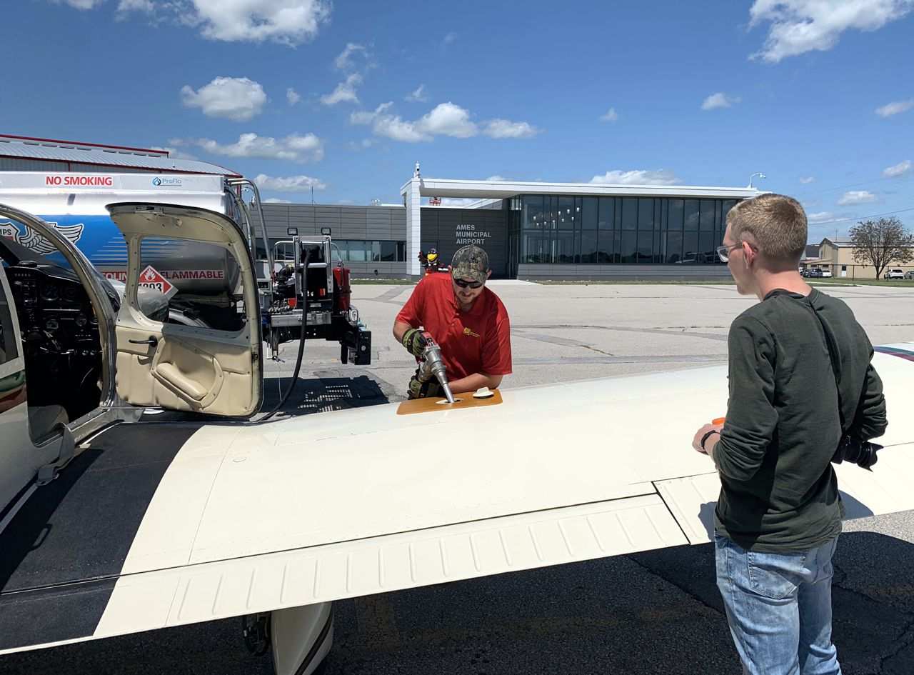 Refueling In Ames Jt And Fueler recreational aerobatics